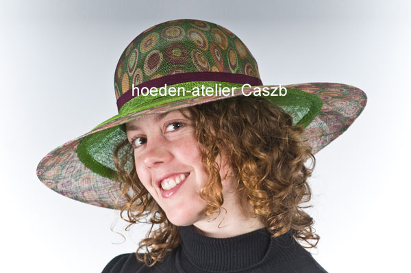 hoeden atelier caszb Clara Boschma hoed3  foto Iwan Szomoru