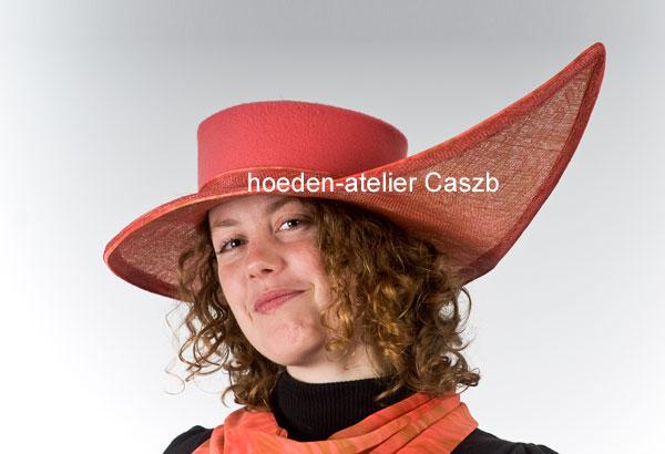 hoeden atelier caszb Clara Boschma hoed4  foto Iwan Szomoru